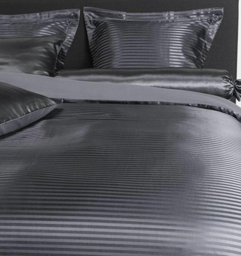 Nightlife Silk Bettwäsche Satin Stripe Dunkelgrau - DE - 135x200 - 80x80 (1) mit Reissverschluss