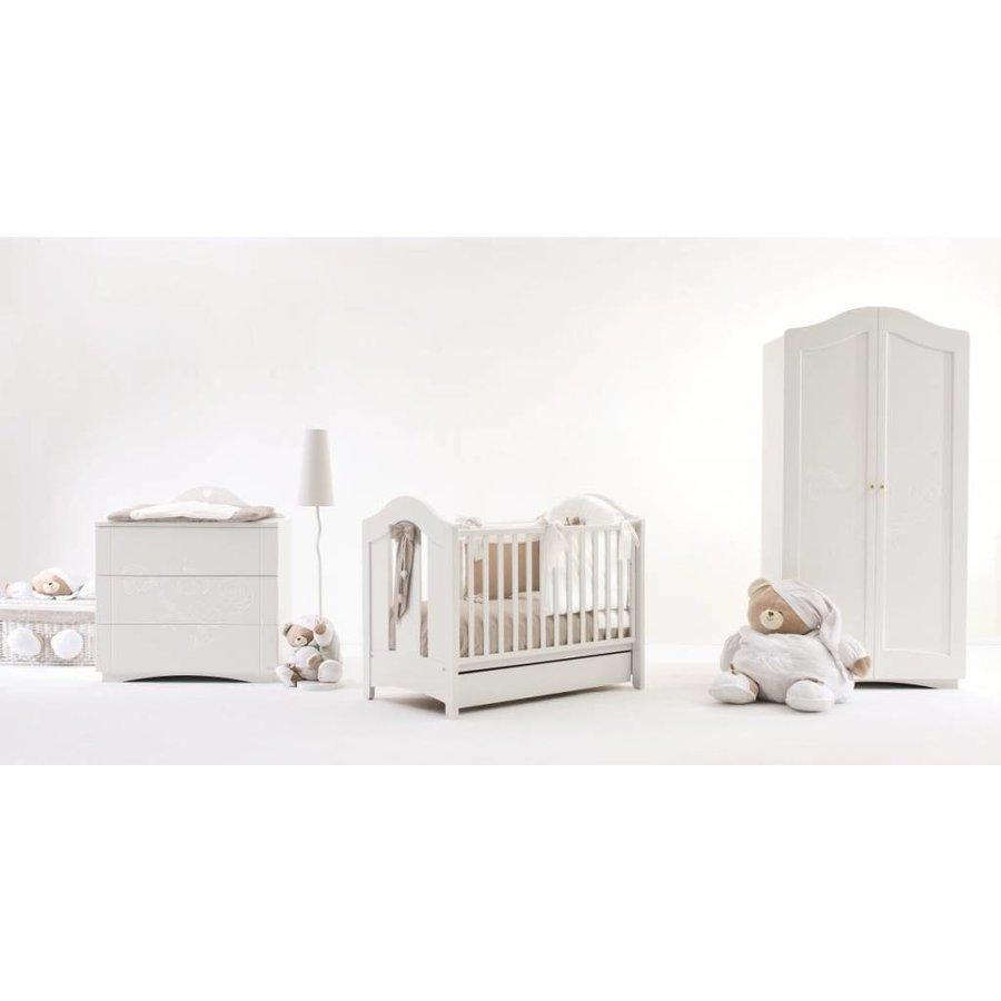 Babykamer relief Tato