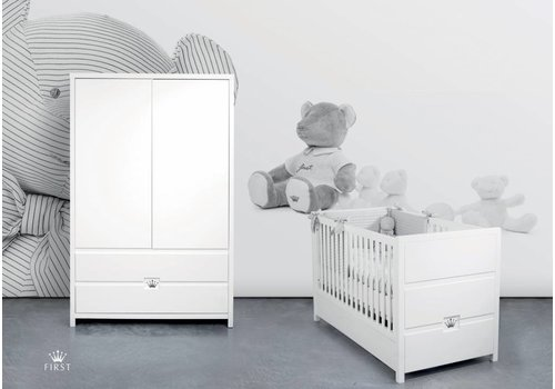 First babykamer June - wit