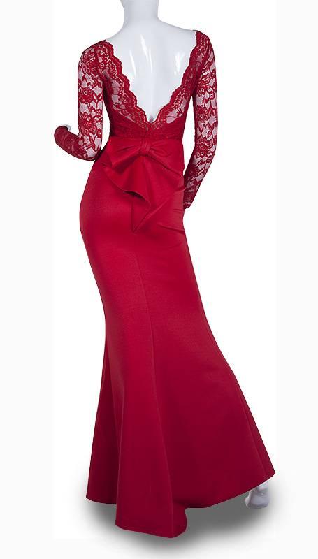 City Godess Rode Galajurk met blote rug