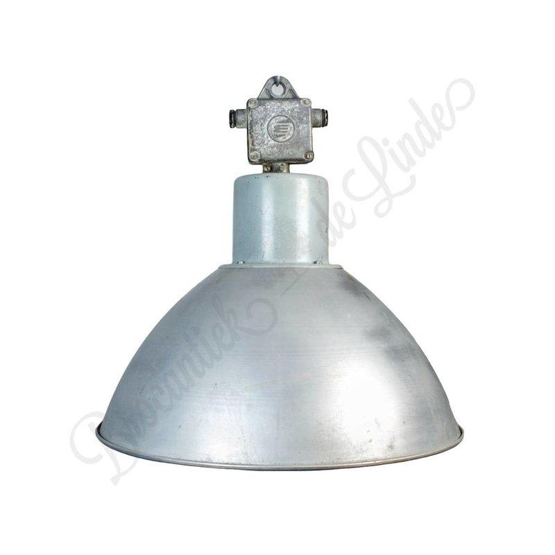 "Industriële hanglampen ""Pacov"""