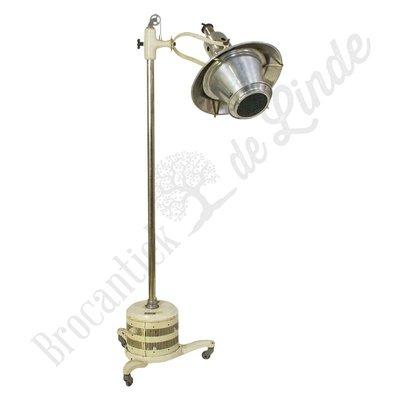 "Industriële vloerlamp ""White Flamingo"""