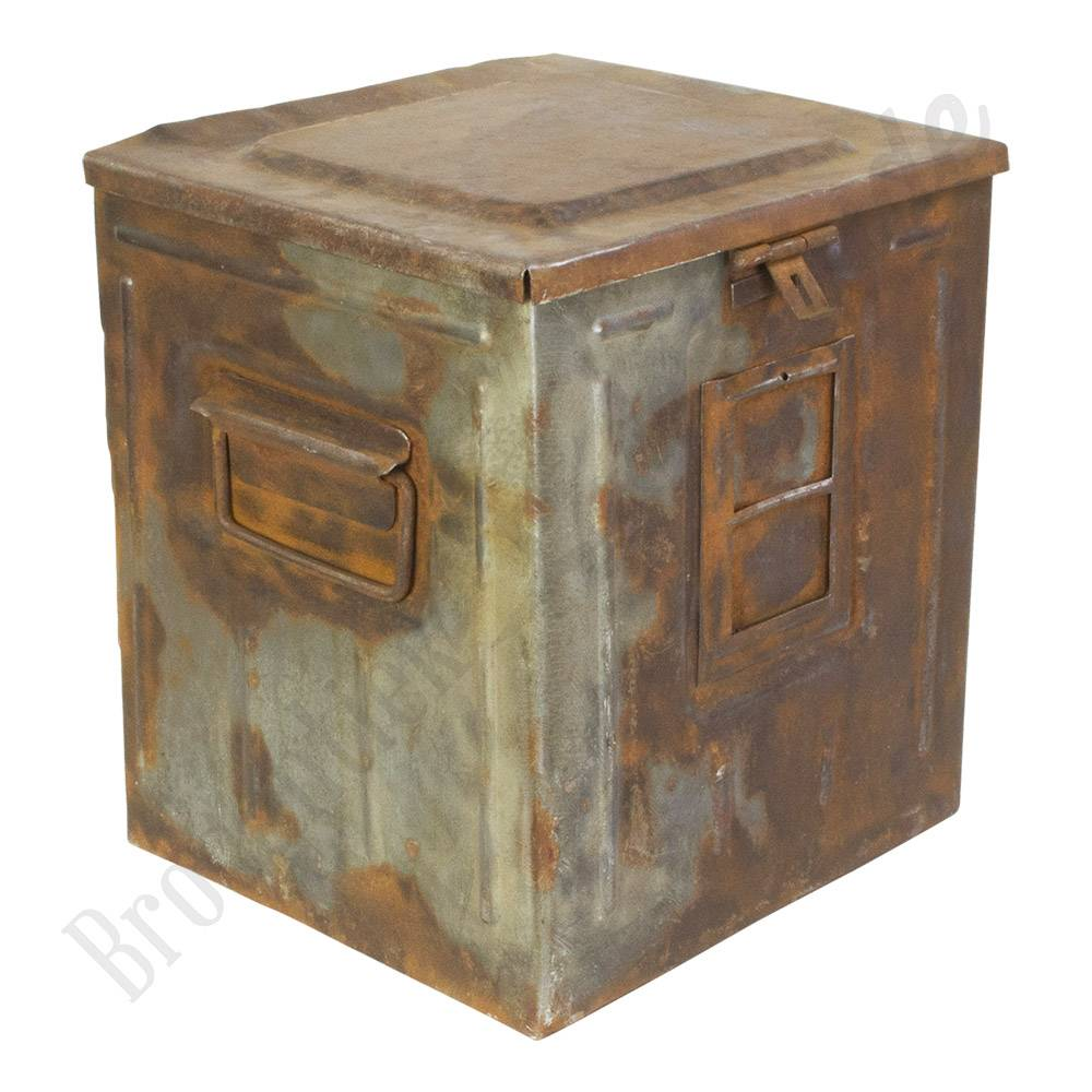 Geliefde √ Industriële bakken, houten kisten en vintage manden bij  &WJ89