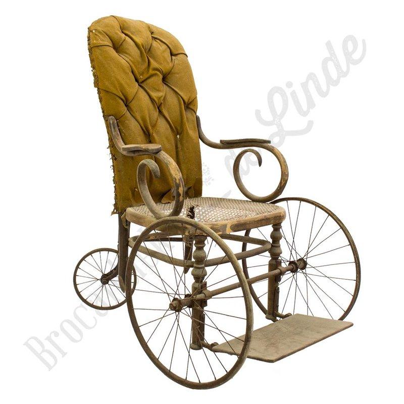 Oude rolstoel