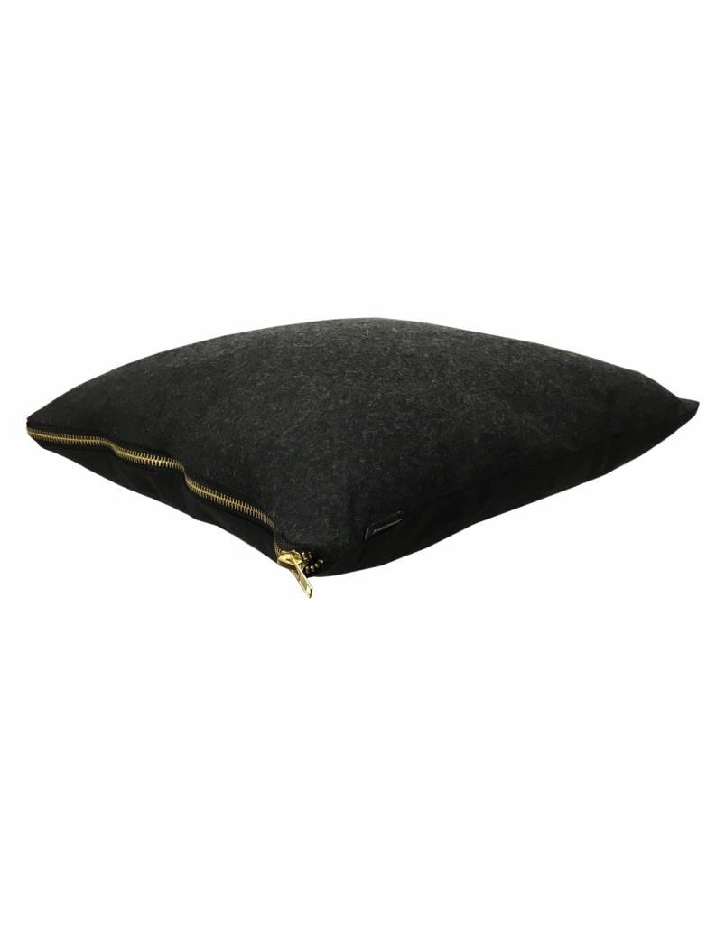 Kissenbezug anthrazit mit goldenem Reißverschluss