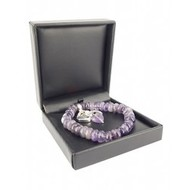 Amethist armband Ruby Mania met regelmatige kralen en 3 bedels