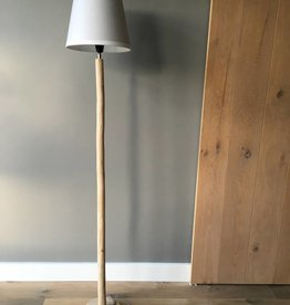 Puur Basic Home selection Houten boomstam vloerlamp