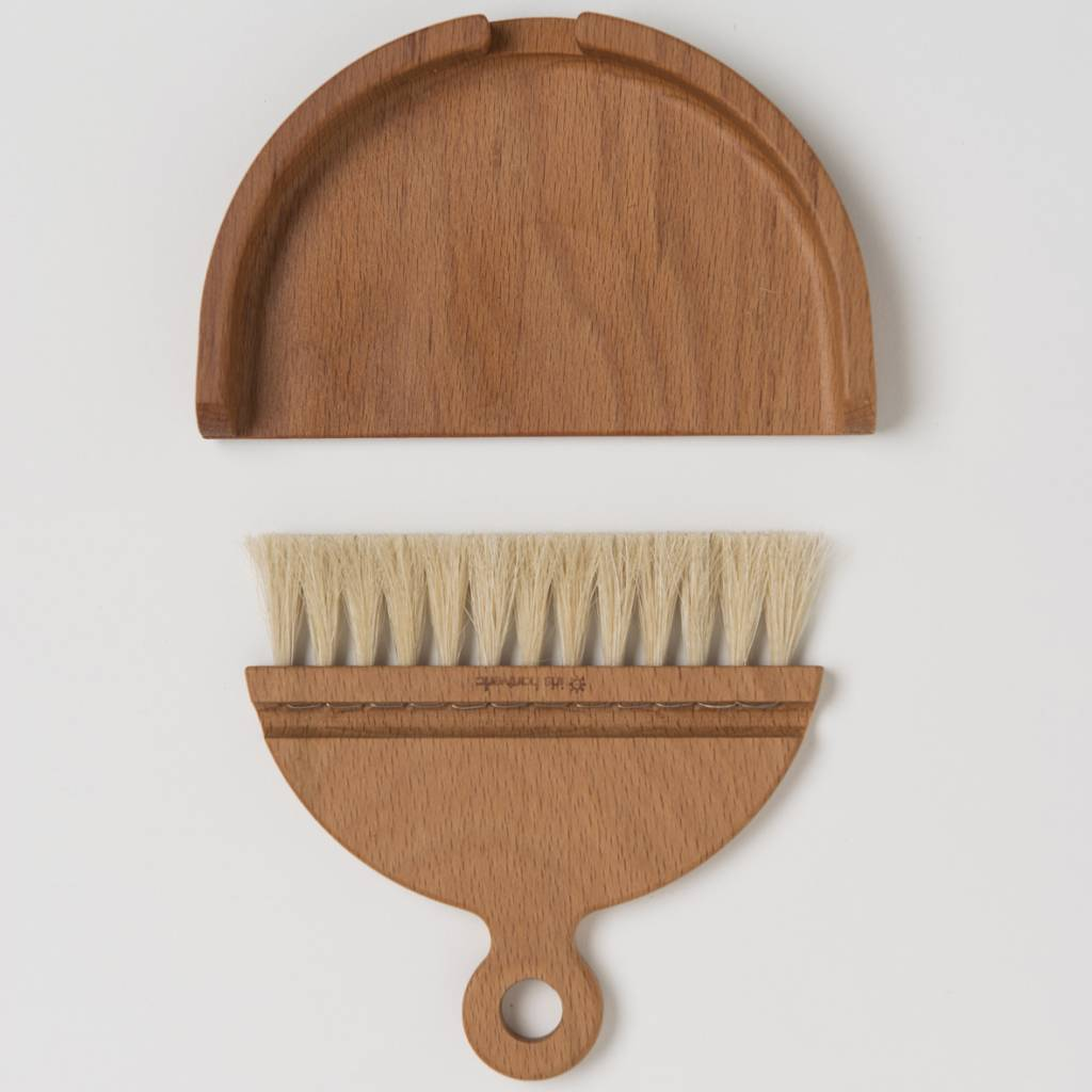 Iris Hantverk Iris Hantverk Oiltreated Beech and Horsehair Table Brush