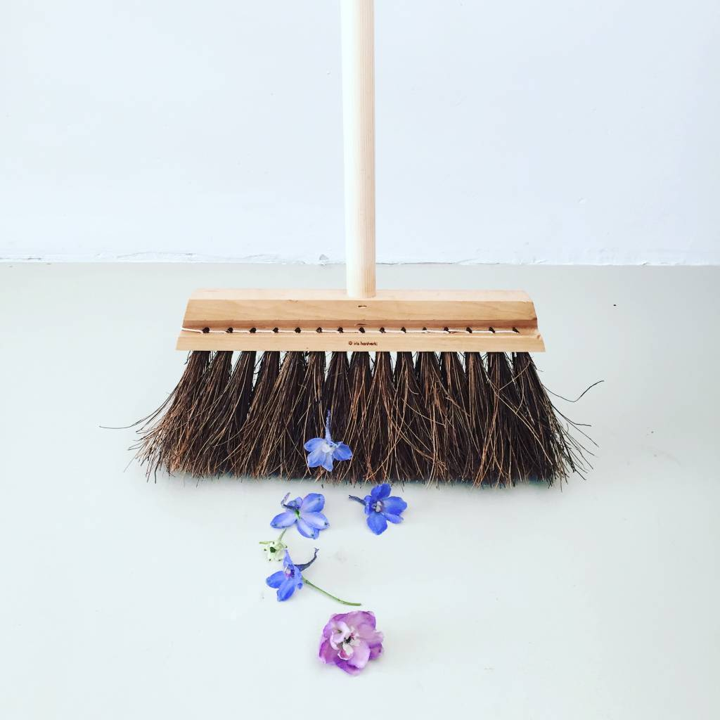 Iris Hantverk Iris Hantverk Birch and Long Handle Broom