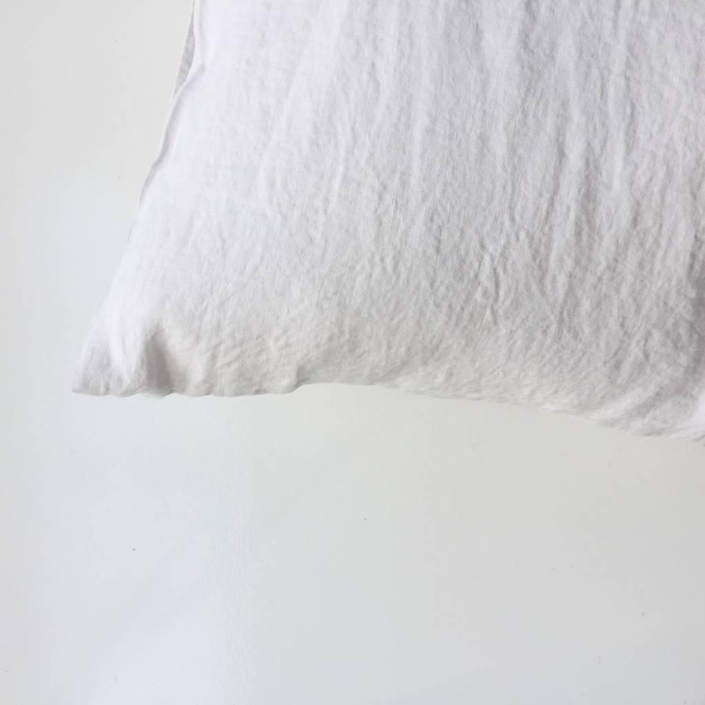 Linge Particulier  Linge Particulier Cushion Cover Chalk Washed Linen 50 x 70 cm