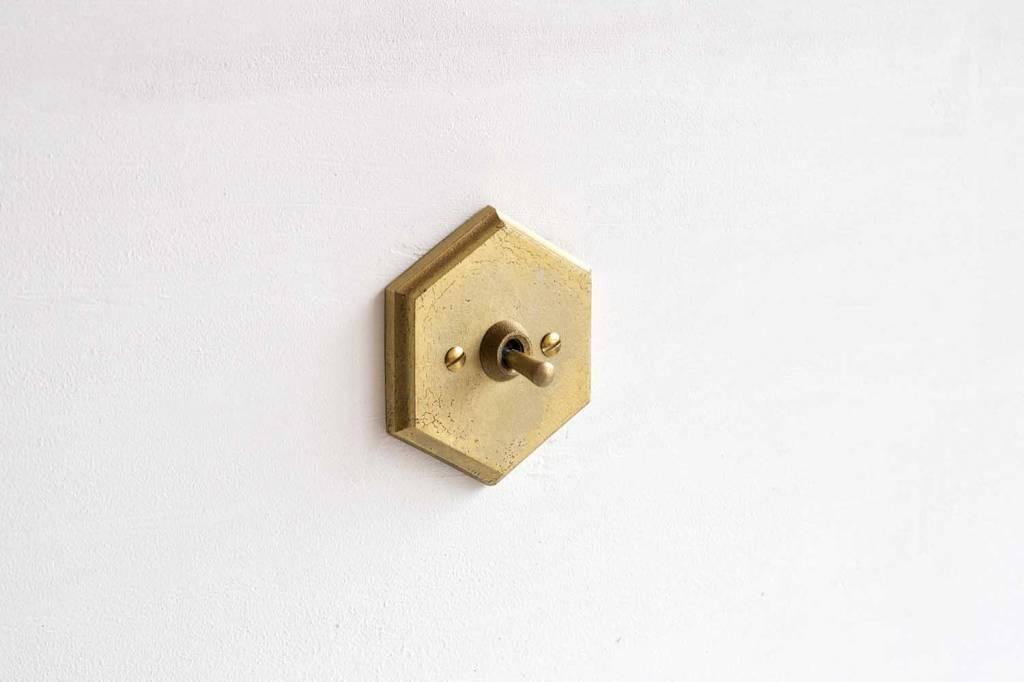 Futagami Futagami Matureware Brass Hexagon Lightswitch