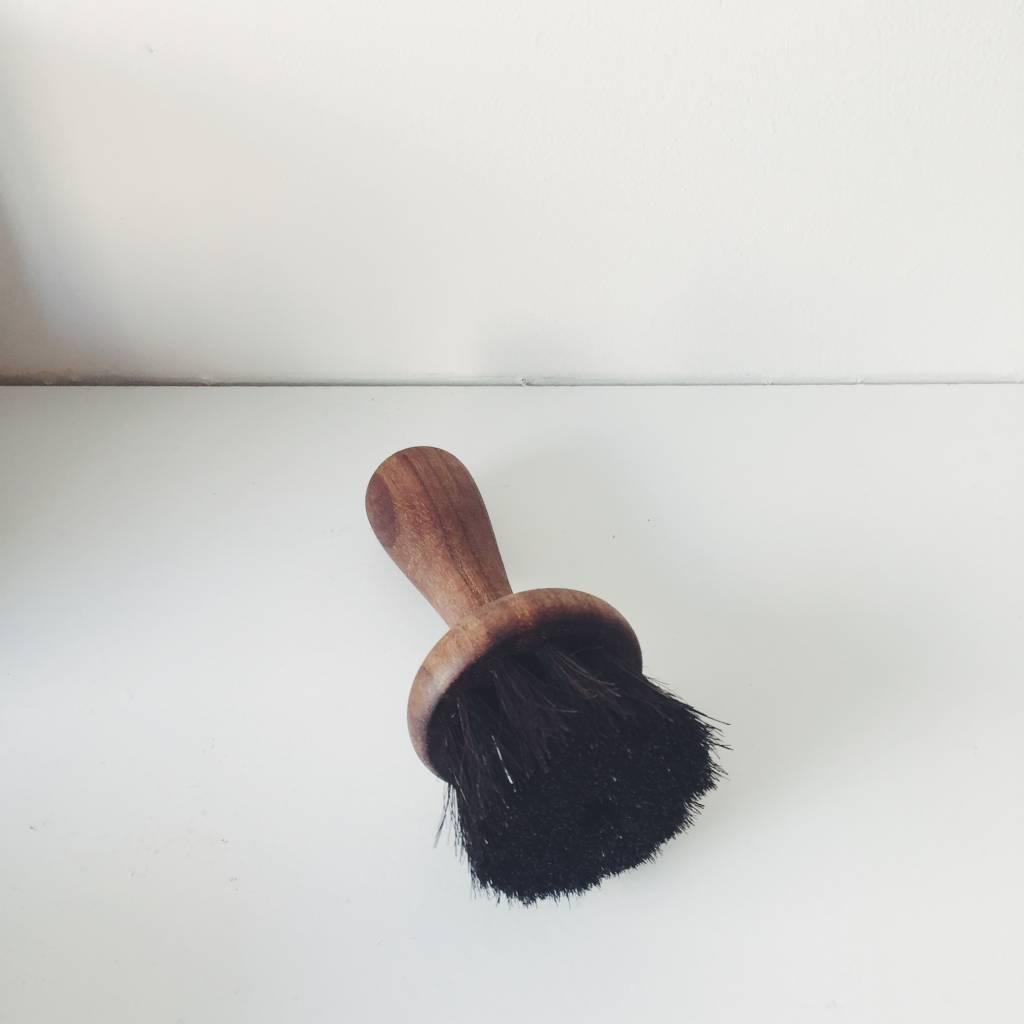 Iris Hantverk Iris Hantverk Oiltreated Walnut and Horse Hair Face Brush
