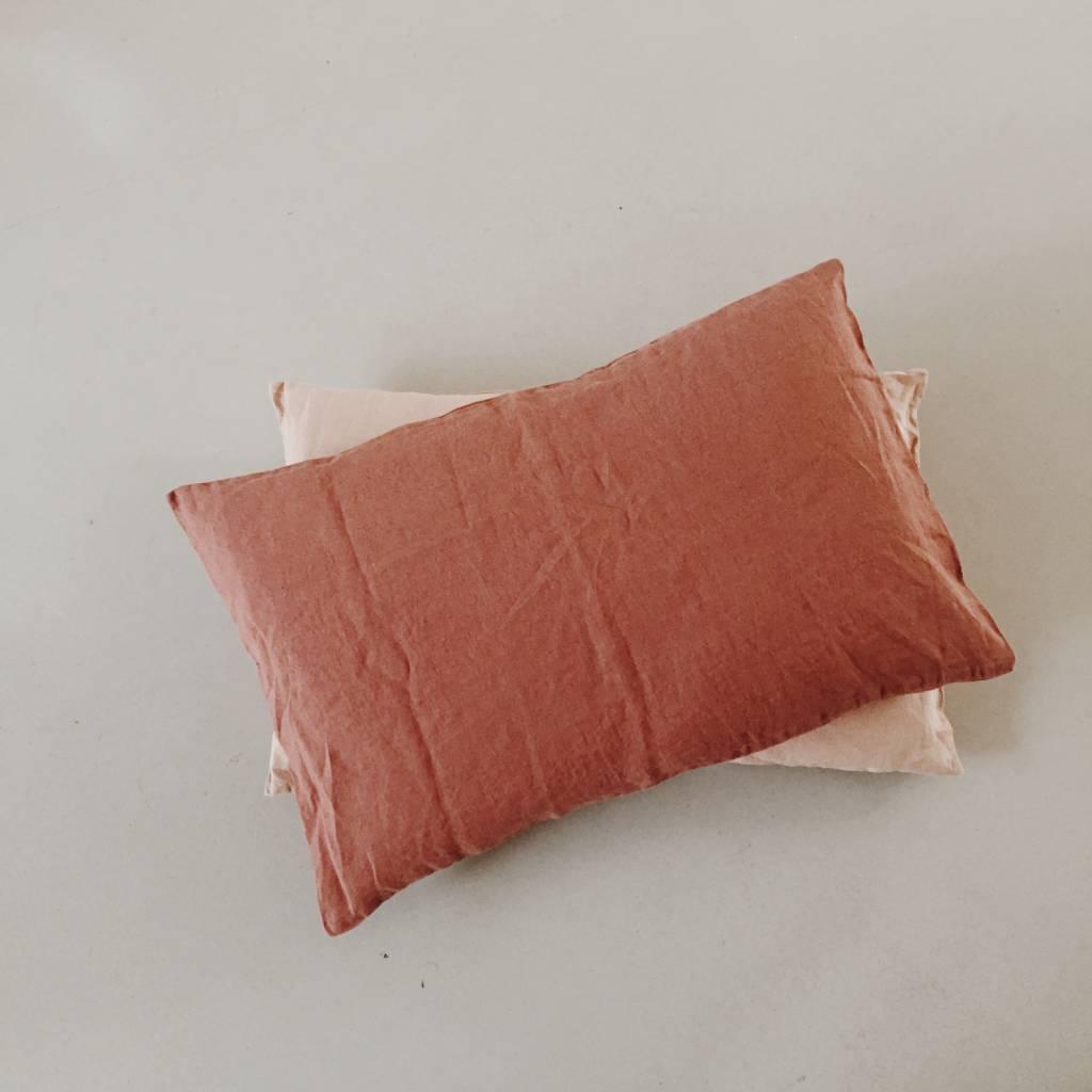 Linge Particulier  Linge Particulier Cushion Cover Brique Washed Linen 40 x 60 cm