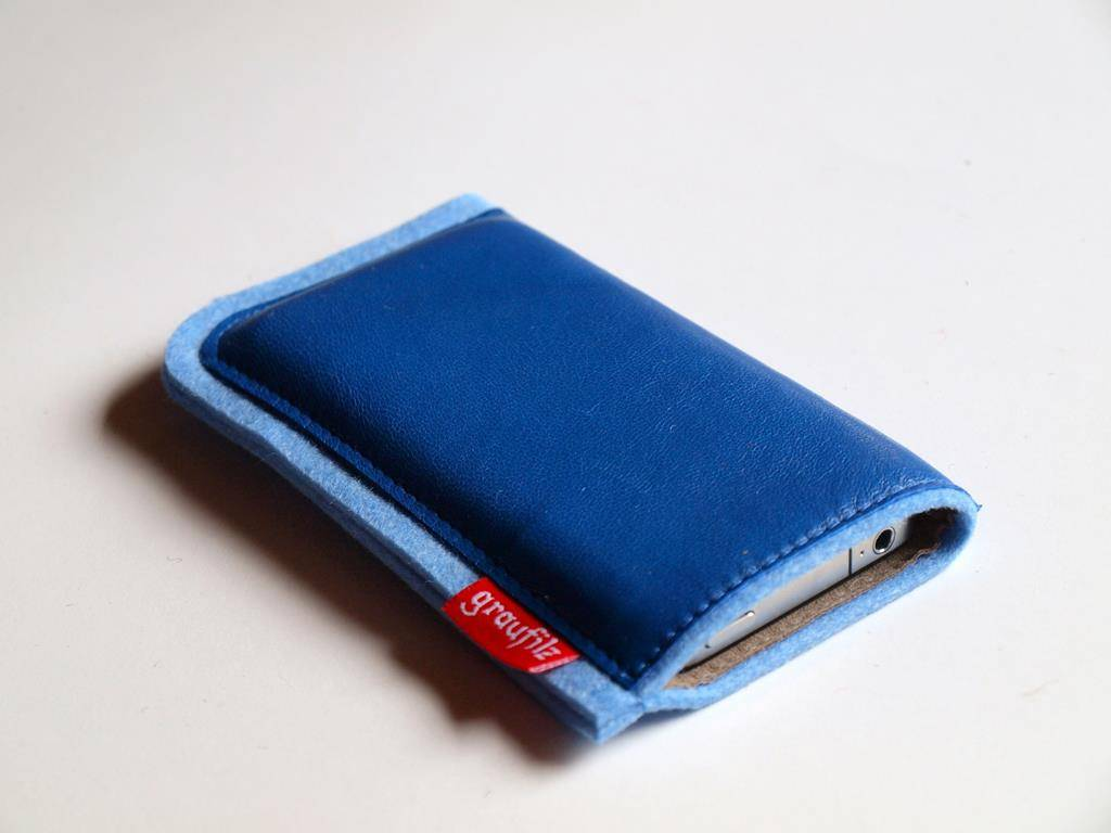 Handytasche - Leder und Filz - eisblau