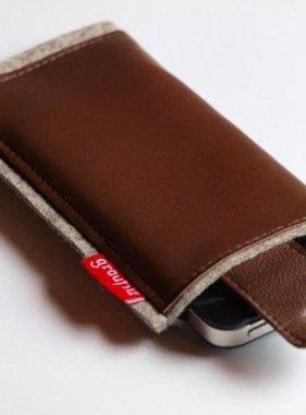 Smartphonetasche mit Verschlußlasche - braun
