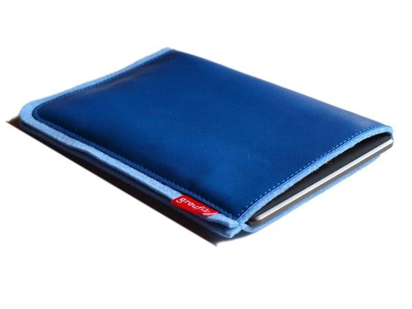 eBook Reader Tasche aus eisblauem Wollfilz und blauem Leder