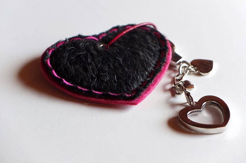 Herz aus Filz mit Webpelz