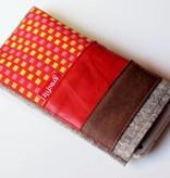 Smartphone Taschen im roten Materialmix