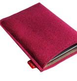 eBook Reader Tasche waldbeerfarben aus 2mm Wollfilz