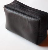 Tasche für Toilettenutensilien aus Leder und Filz