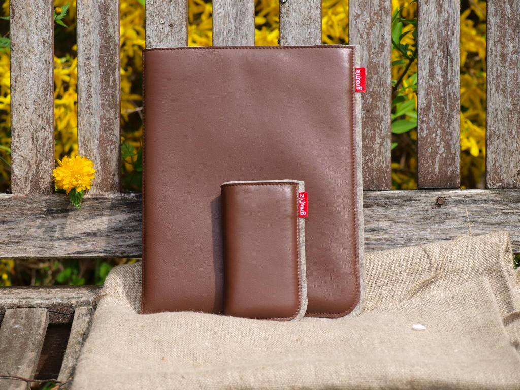 Tablet- + Smartphonetasche - braun