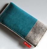 Smartphonetasche mit aquabluefarbenem Leder