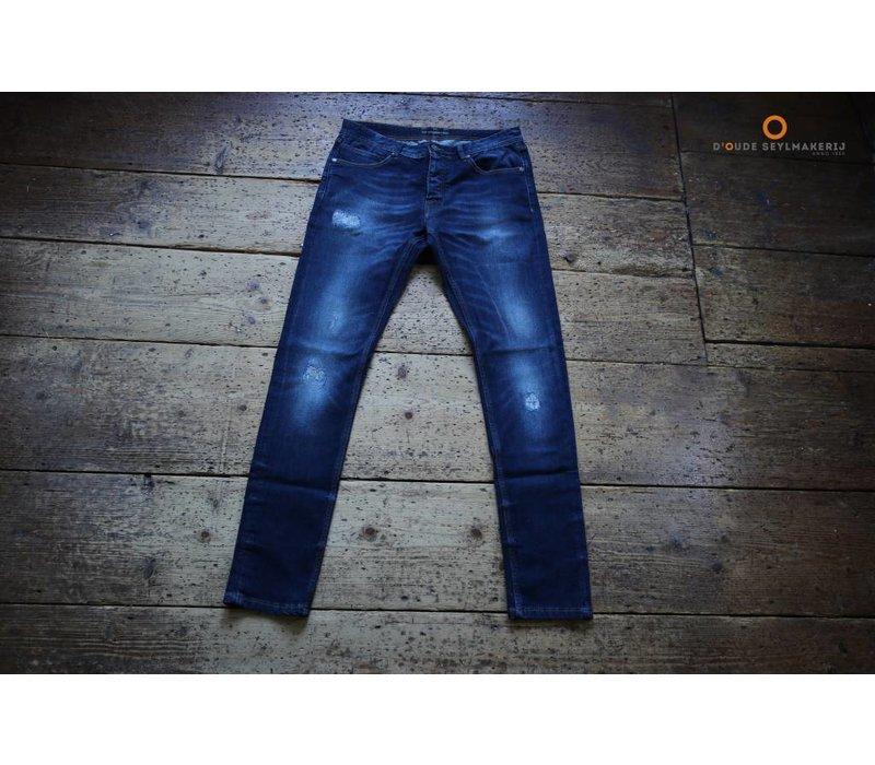 AM1703-110 Jan Slim Fit 5 Pocket Jeans 586