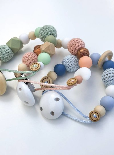 Pacifier Clip - Shallop shell