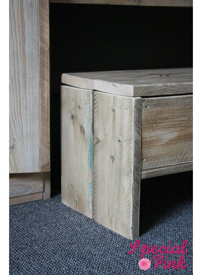 Bureau Channa van steigerhout