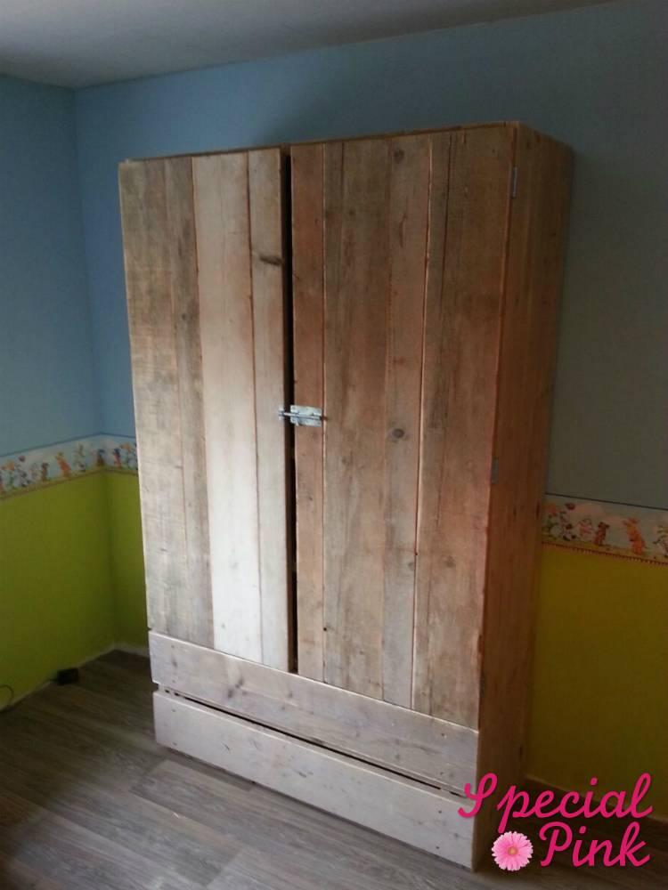 kledingkast met lades van steigerhout, goedkoop.  special pink, Meubels Ideeën