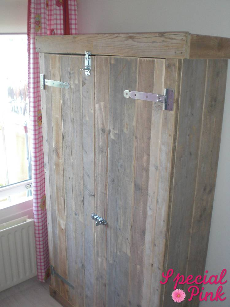 kledingkast van steigerhout, voordelig bij special pink  special, Meubels Ideeën