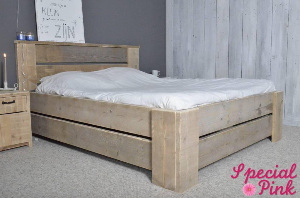 Tweepersoons bed van steigerhout, goedkoop bij Special Pink! - Special ...