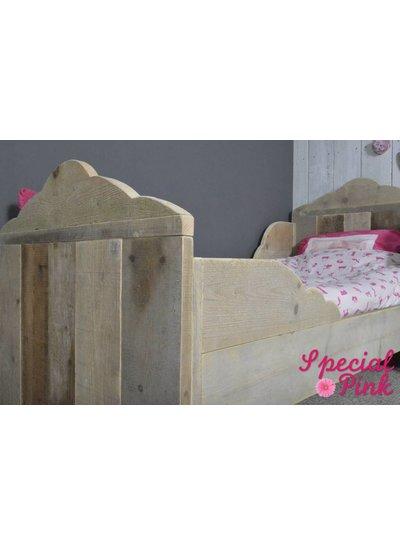 Eenpersoonsbed Sophie van steigerhout