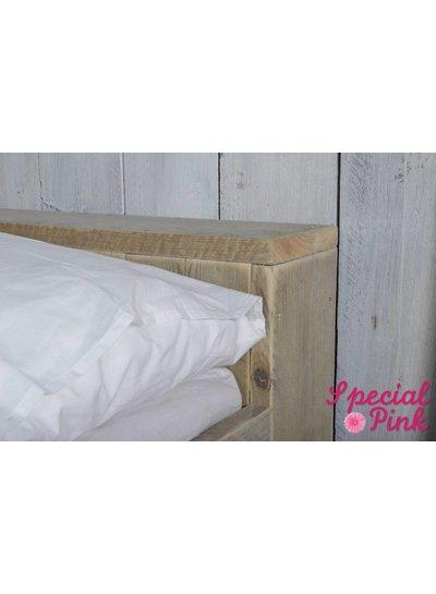 Eenpersoonsbed Stef van steigerhout