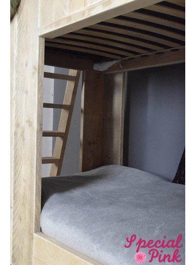 Huisjesbed Steffie van steigerhout