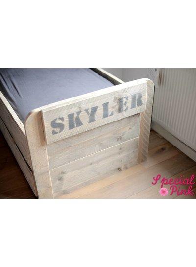 Peuterbed Skyler van steigerhout