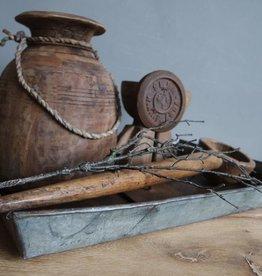 Oud metalen dienblad