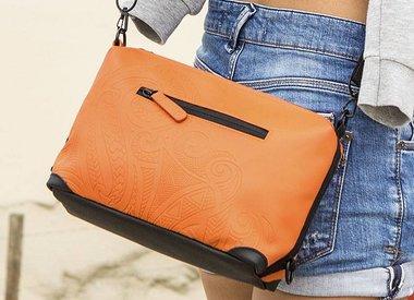 Minibag - Orange Travelkit in drie reliëfprints