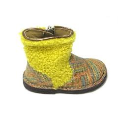 Pèpè Botje,harig geel been met gekleurde voet 20,22,25