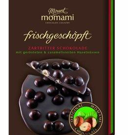 Frischgeschöpfte Zartbitter Schokolade - karamellisierte & geröstete Haselnüsse