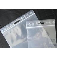 Druckverschlußbeutel, 120 x 170 mm = A6, 50 my, transparent, unbedruckt, mit Eurolochung oberhalb des Druckverschlusses (1 VE = 1.000 St.)