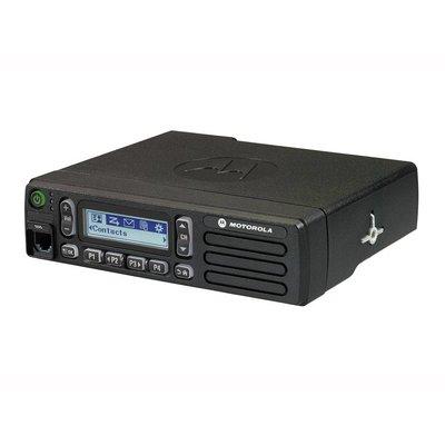 Motorola DM1600 digitale mobilofoon DMR MOTOTRBO met alfanumeriek display
