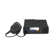 Motorola DM4600 digitale mobilofoon VHF - UHF