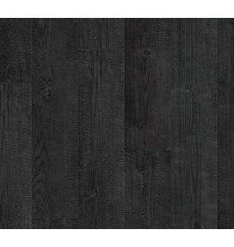 zwart gebrande planken