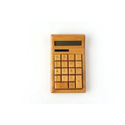 Houten rekenmachine op zonne-energie