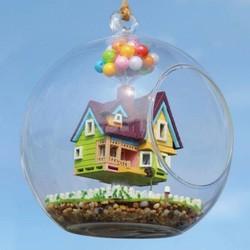 MyXL Miniatuur Bouwpakket Vliegend Poppenhuis in Glazen Bol