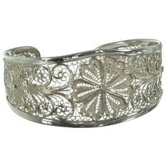 Silbernes Armband, Blumen
