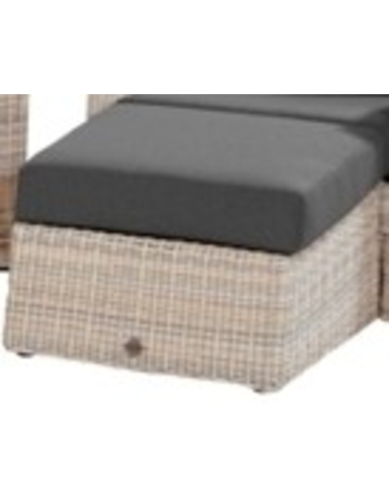 Casa Outdoor Footstool Catania in Elzas