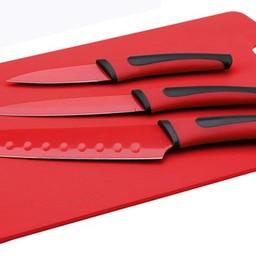 Messenset met snijplank, 4 delig. (rood)
