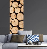Lé Papiers de Ninon Behangstrook houtblokken Armelle met foto houtopslag